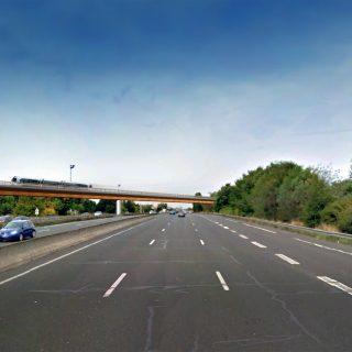 Pont au-dessus de l autoroute A6, Ris-Orangis ©LAVIGNE CHERON I Architectes