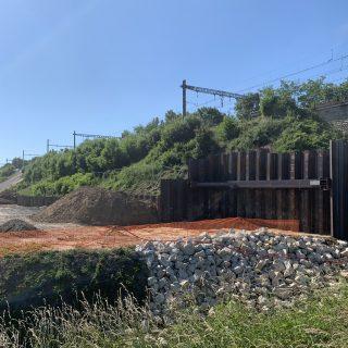 Les travaux de consolidation du talus ferroviaire, dans le chemin des Tourelles, à Épinay-sur-Orge