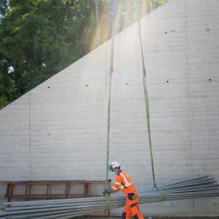 Les équipes du tram T12 à pied d'œuvre sur le chantier du pont-rail d'Épinay-sur-Orge