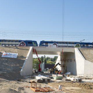 Le pont-rail installé