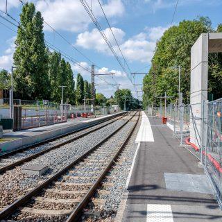 Vue des quais de la future station Petit-Vaux à Épinay-sur-Orge