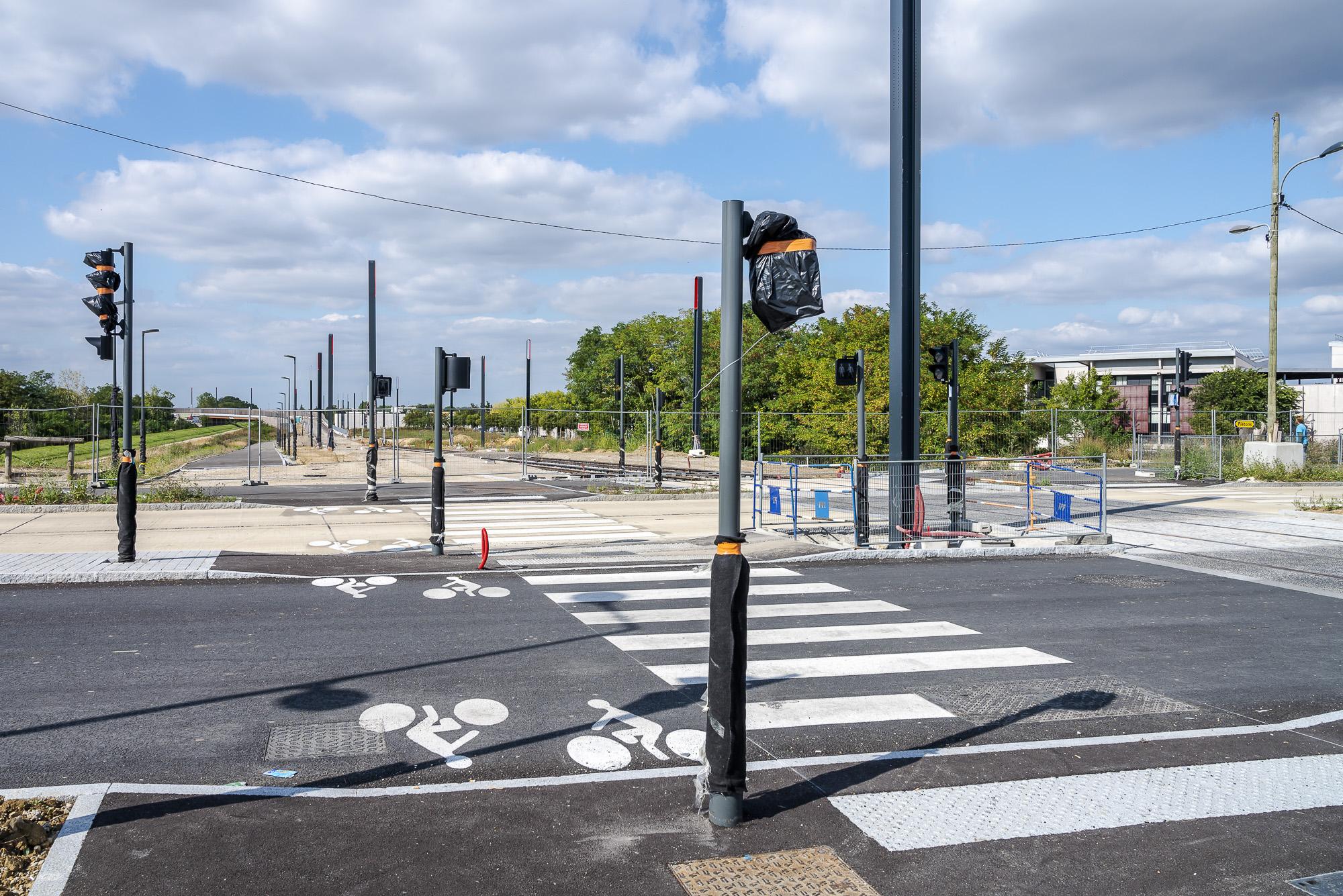 Aménagement des voies cyclo-piétonnes Chemin du Plessis à Grigny